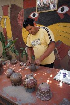 Forme créée à la main - Nazca - Pérou