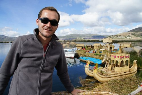 La fameuse Totora Benz - Uros - Lac Titicaca - Pérou